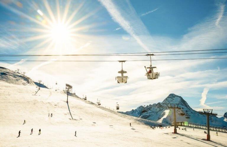 หน้าหนาวนี้ ไปเล่นหิมะ/สกี/สโนบอร์ดที่ลานสกี รีสอร์ท ภูเขาฮาโกดาเตะ จังหวัดชิกะกันเถอะ