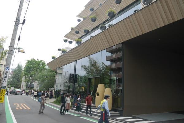 รอคิวเข้าจนขาแข็งที่ Starbucks Reserve Roastery Tokyo ใหญ่ที่สุดในโลก