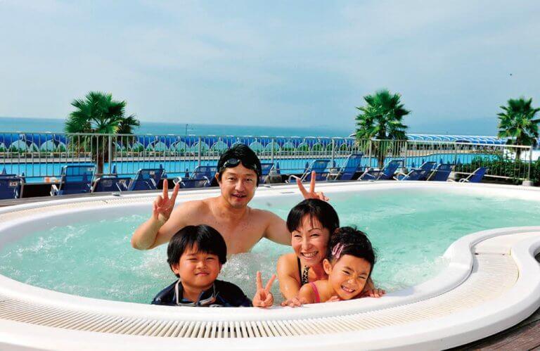 ซัมเมอร์นี้ ไปสนุกกับ 4 สวนน้ำในประเทศญี่ปุ่น