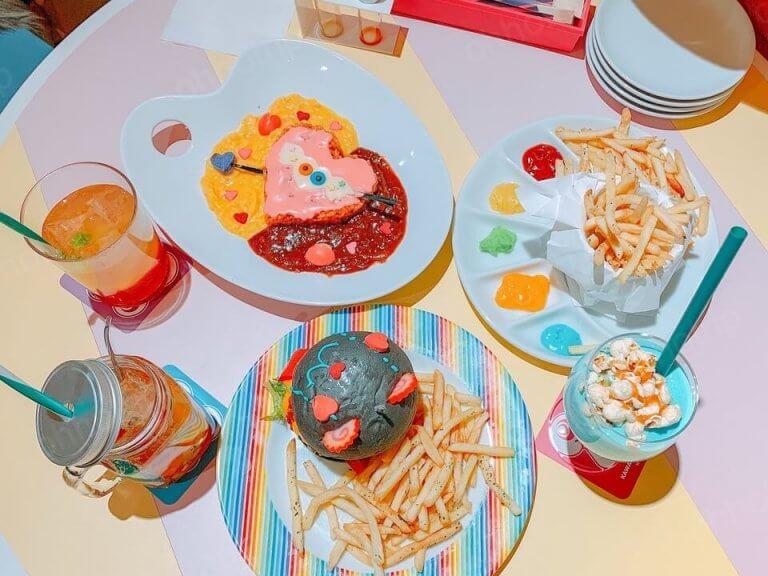 เมื่อไป Harajyuku อย่าพลาดที่จะไปที่ร้าน Line store และ Monster Cafe!